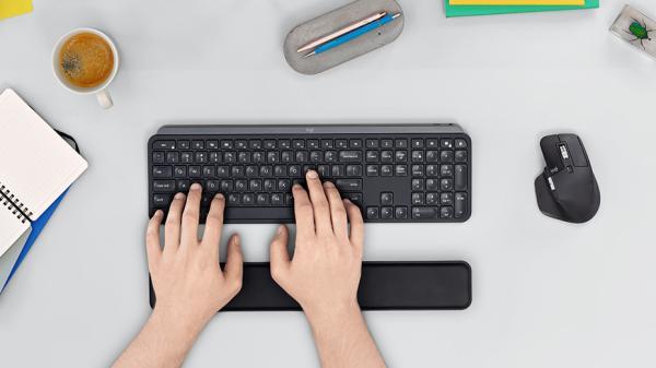 Herramientas para dar clases online - Teclado MX Keys de Logitech